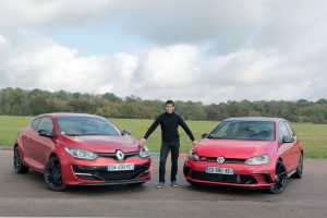 s8-comparatif-video-renault-megane-rs-vs-volkswagen-golf-gti-clubsport-el-classico-389773