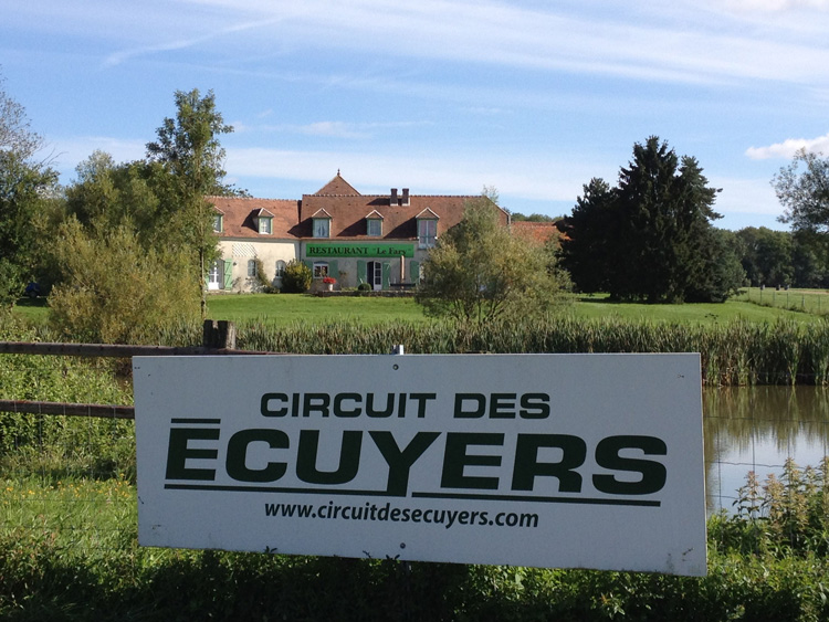 le circuit circuit des ecuyers. Black Bedroom Furniture Sets. Home Design Ideas