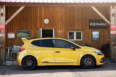 1er Essai de la Renault Clio R.S.16 par La Revue Automobile